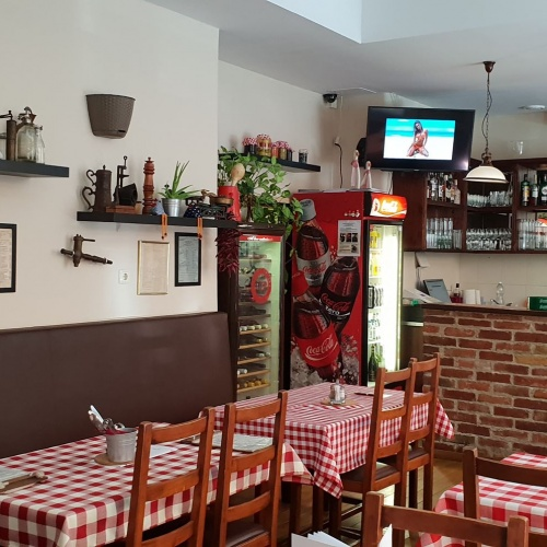 In the 1st district a 210sqm classical, family-style restaurant available with RENTAL  RIGHT