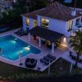 Villa, kilátással a hegyekre Las Brisas Golfban