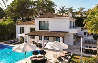 Villa with Mountain Views for sale in Las Brisas Golf