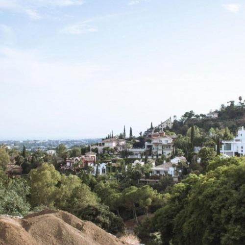 Lenyűgöző, új, kortárs villa El Herrojo belvárosától, gyalogtávolságon belül La Quintben