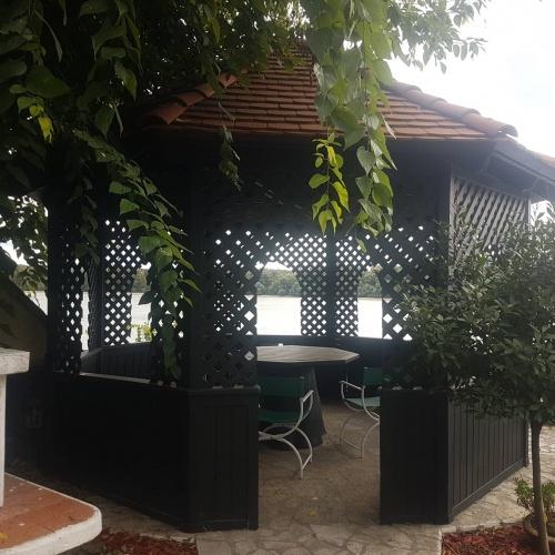 Polgári villa épület Verőcén található a Duna parton