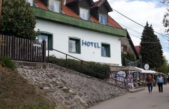 Hotel Tihany with 15 rooms