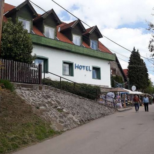 15 szobás Hotel Tihanyban